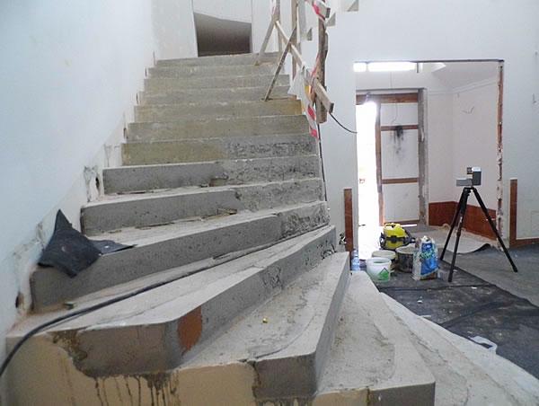 Źle wylany beton
