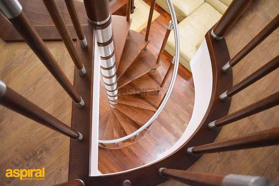 schody spiralne dostawiane do stropu